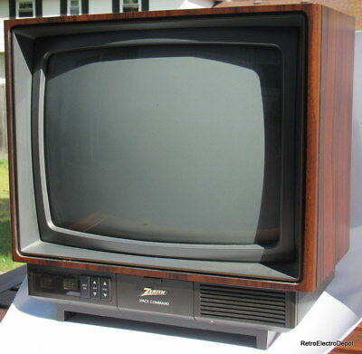 """Zenith SPACE COMMAND 13"""" Color TV - Works Great!"""