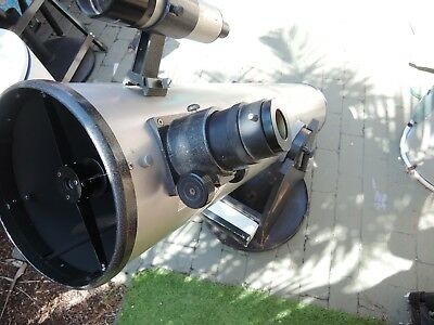A large Newtonian Reflector Astronomical Telescope with 4 lens - moon ready