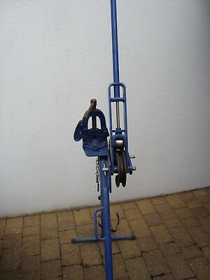 Record Tools Ltd (Sheffield)Pipe Bender c/w Pipe Vice on Stand Ref: CT223/25