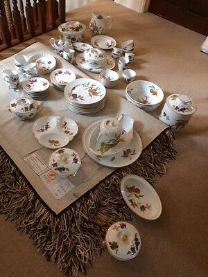 From Northants Royal Worcester Evesham Gold Dinner Service X62 Many Large Pieces