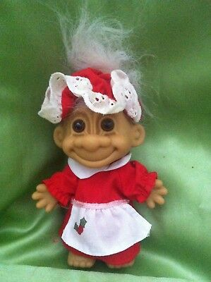 CHRISTMAS TROLL DOLL RUSS  MRS SANTA CLAUS with HOLLY APRON TOY COLLECTABLE