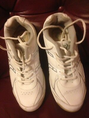 Ladies Bowling Shoes Size 7