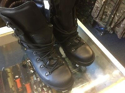 Boots Goretex Black Extreme Cold Weather Boots Army Size 9 Medium British Army