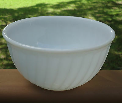 Vintage Anchor Hocking Fire King Large Ovenware Mixing Bowl *White Swirl Pattern