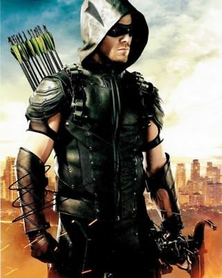 Script Screenplay  Arrow Stephen Amell Signed Printed* Pilot Episode