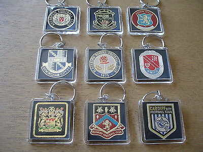 VINTAGE 1970's 'ESSO' BADGE KEYRING. PICK YOUR CLUB FROM LIST A-I  # SUPER #