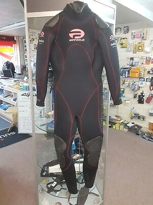 Pinnacle Fusion 5/4mm merino lined ladies suit size S.