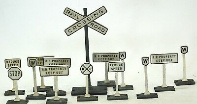 Lionel scale lead base and plastic toy train yard signs O  O27 gauge 14 pcs