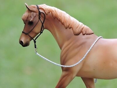 Rope Halter Traditional sized Breyer Peter Stone W/Lead Rope