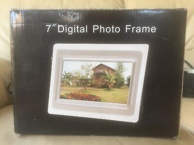"7"" digital photo frame with power lead - great condition"