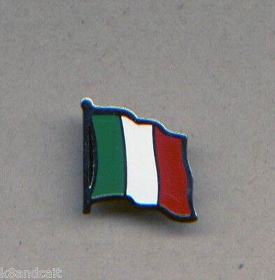 One enamel on metal ITALY Flag lapel brooch