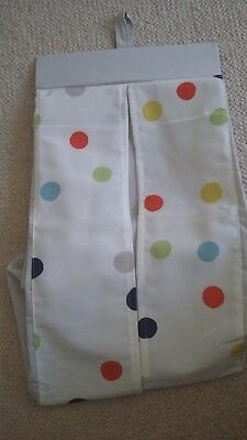 nappy holder hardly used. Keeps nappies hidden away and easy to get out