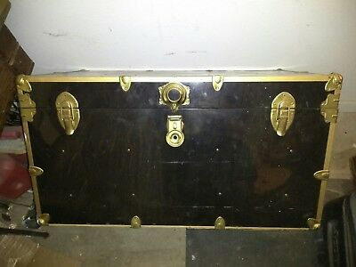 Nice Vintage Steamer trunk wardrobe trunk in very good condition
