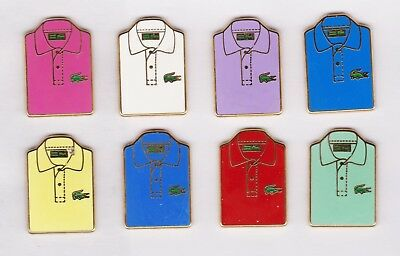 superbe lot de 8 polo LACOSTE  pin's    arthus bertrand paris