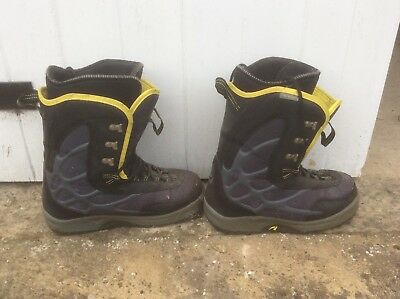 snowboard boots 44.5