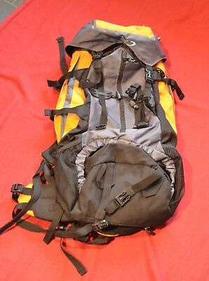Backpacking rucksack 65L capacity with adjustable back