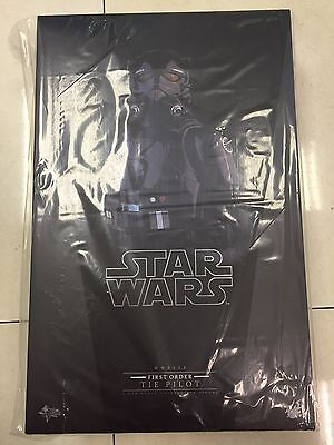 Hot Toys MMS 324 Star Wars First Order The Force Awakens TIE Pilot NEW