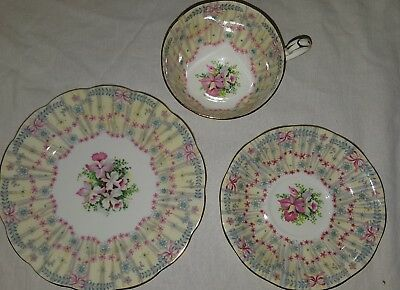 Queen Anne Royal Bridal Gown Cup And Saucer Trio