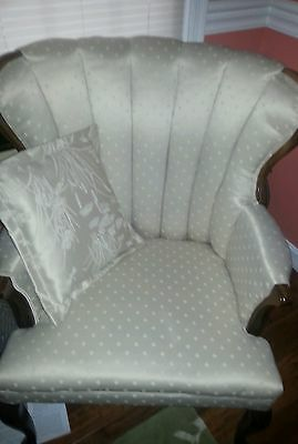 Chair Creme White Silk Damask Victorian - Gorgeous! Shabby Chic, French Country