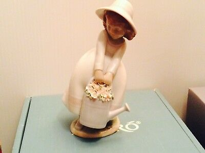Lladro Springtime Fun 6876 Mint,brand New,in The Box Retired