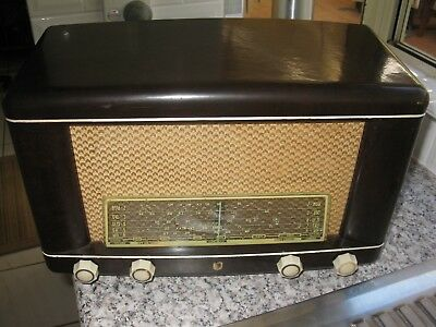 Vintage 1951 Philips Model 133A Radio