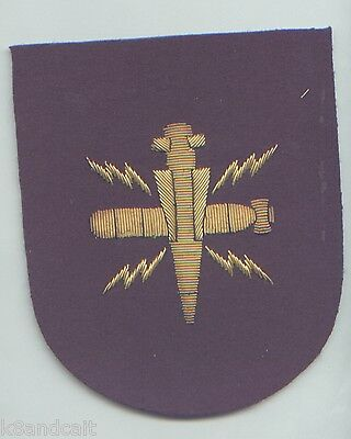 **ORIGINAL**  ROYAL NAVY BABY WEM MISSILE & TORPEDO ARM Patch , woven with wire