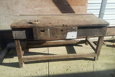 work bench with vise
