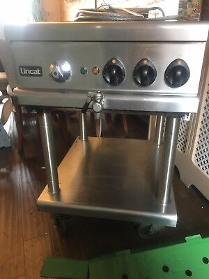 Lincat Opus 700 Chargrill And Stand. Electric