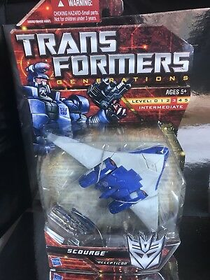 Transformers Universe Classics Deluxe Class Scourge misb new
