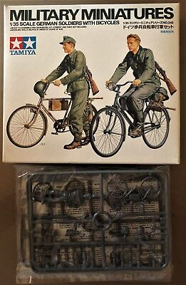 TAMIYA 35240 GERMAN SOLDIERS WITH BICYCLES 1//35 KIT NUOVO