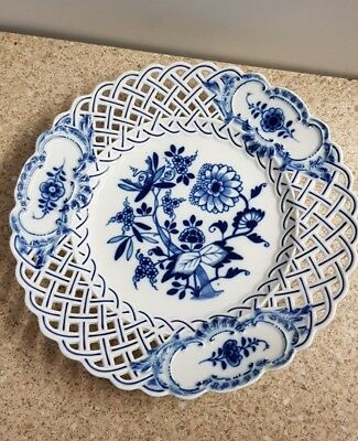 "Meissen Blue Onion Reticulated Border 9.25"" Plate"