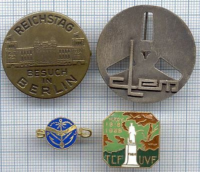 No Pin's Broches Insignes Ancre Monuments 11 novembre 1918 statue Reichstag CLEM