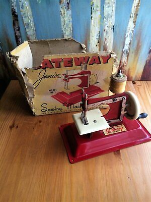 Vintage 1940 Gateway Engineering Co. Junior Sewing Machine Model NP-1 with Box