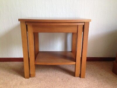 Oak Nest of two tables