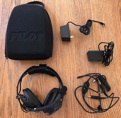 Pilot Avionics ANR headset PA-1779 - case, 2x chargers, needs new cable