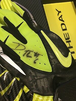 Oregon Ducks Signed De'anthony Thomas gloves