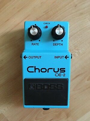 Boss Roland CE-2 Vintage Chorus Guitar Pedal 1990 Made In Taiwan