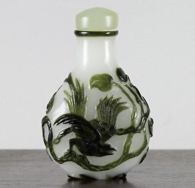 Fine Antique 19C Chinese Carved Peking Glass Snuff Bottle, Birds