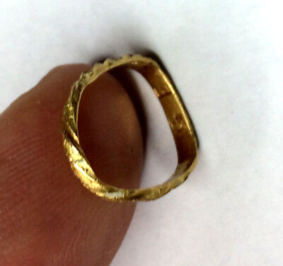17th Century 24 k Gold and enamel ring the Caribbean diving find