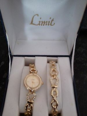 Ladies gold Limit Watch with bracelet