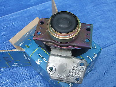 New in Box Peugeot 1839.91 183991 Engine Mounting NIB