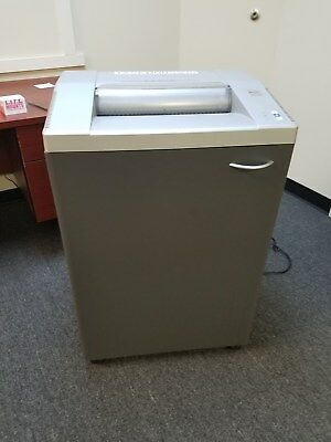 GBC Shredmaster 5500S Industrial Cross Cut Heavy Duty Paper shredder Used
