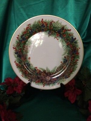 1986 Lenox Colonial Christmas Wreath Collectors Plate - New Hampshire 6Th Colony