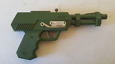 Topper Toys Johnny Seven One Man Army Cap Gun Toy Pistol Works good condition
