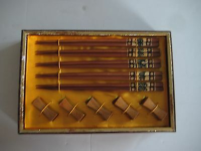 Set of 5 Pairs Wooden Chopstick and Chopstick Rest Holders Chinese NIB