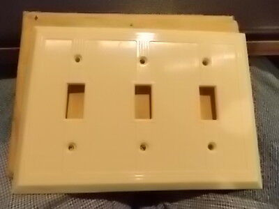 Vintage Geo. Scott  Art Deco Ivory ribbed Bakelite 3 toggle switch plate Cover