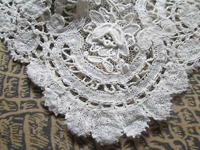 Antique handmade collar from Bruselles lace /off white cotton-flowers