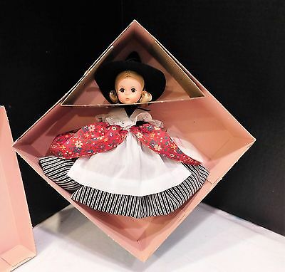 """8"""" Madame Alexander MOTHER GOOSE 427 in Box NRFB + Tag and Accessories"""