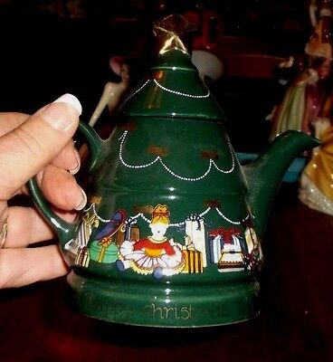 A Happy Christmas Teapot part of the English Life Collection by Wade,Collectable