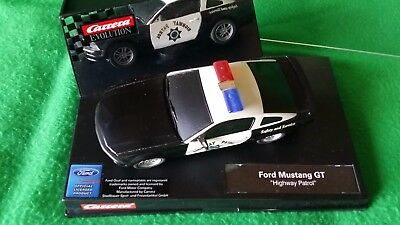 "Ford Mustang GT ""Highway Patrol"" – Policia – Carrera 1/32"